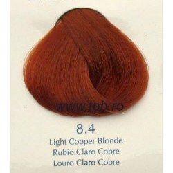 8.4 - blond cupru deschis